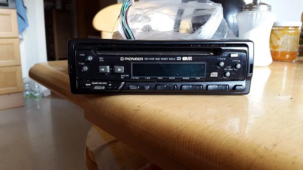 Auto-Radio-Pioneer - 0